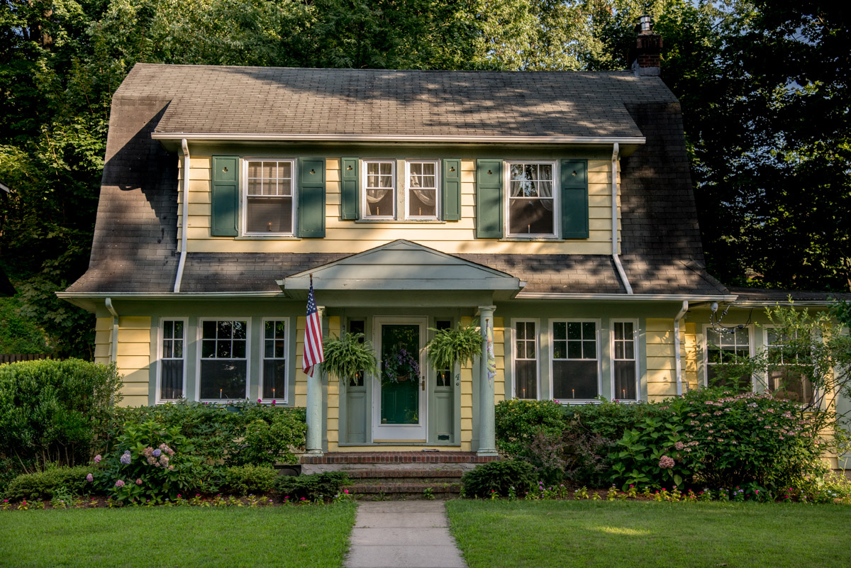 Beautiful Dutch Colonial in Caldwell